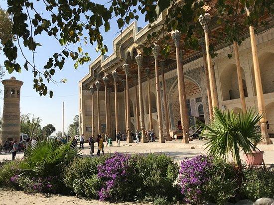 """Uzbekistan: Mosquée à Bukhara """"Route de la soie"""" en Ouzbékistan ! https://www.youtube.com/channel/UCDGQkCVNJ5Pmo096FfunS8A?view_as=subscriber"""