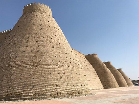 """Uzbekistan: La Citadelle à Bukhara """"Route de la soie"""" en Ouzbékistan ! https://www.youtube.com/channel/UCDGQkCVNJ5Pmo096FfunS8A?view_as=subscriber"""