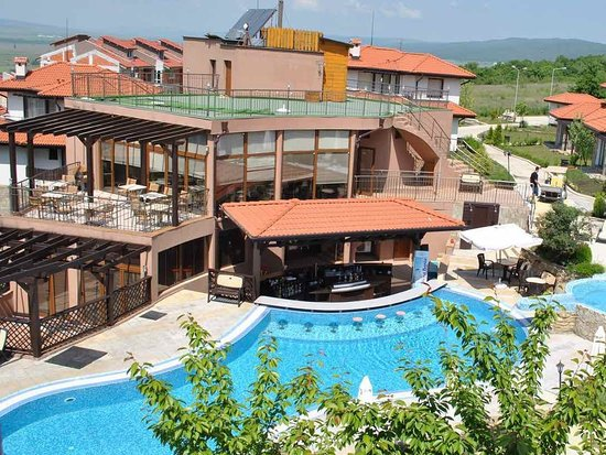 Kosharitsa, Bulgaria: Bay View Villas Restaurants is situated inside a luxury complex with villas and apartments, near the famous resort in Bulgaria, Sunny Beach.