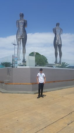 That's me, beside Ali and Nino statue.