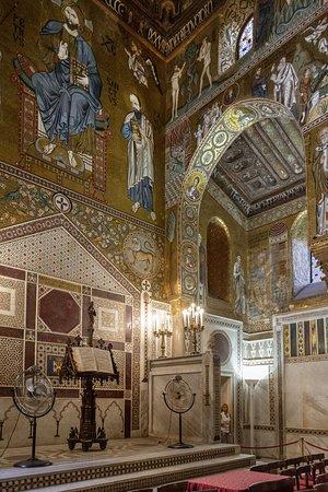 صقلية, إيطاليا: Palerme, ville magnifique et emblématique de la SICILE qui s'offre avec bienveillance aux regards des touristes.