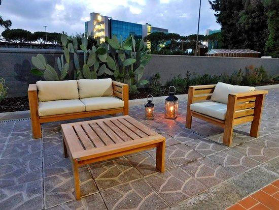 La serata presso la Casa per ferie Seraphicum - Luogo del riposo tra giardino e le stanze per gli ospiti
