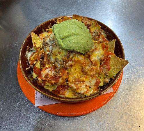 El plato que mas nos gusta compartir!! los nachos!!