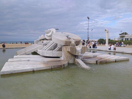 Pescara, Italia: Fontana La Nave
