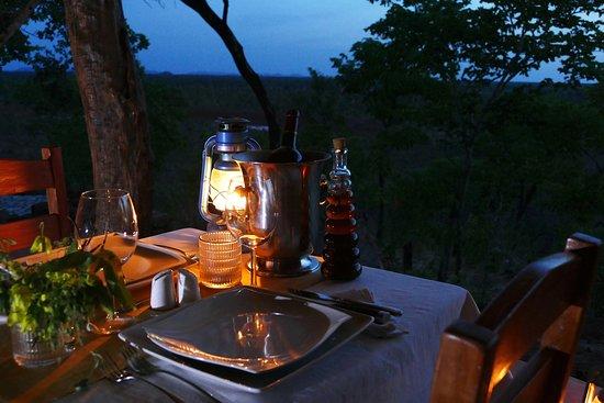 Pendjari National Park, Benin: Night time dining experience in the restaurant