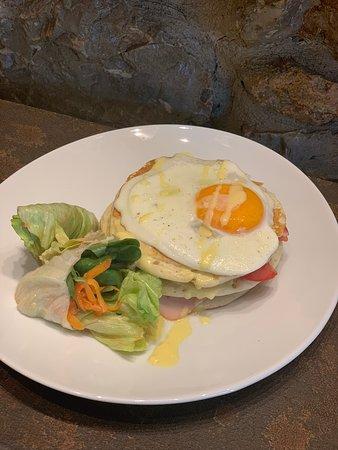 Pancakes with Turkey , Tomato , Gouda Cheese and Eggs