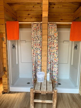 Clean showers in the bunkhouse