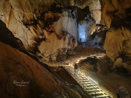 Grotte de Lombrives