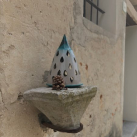 Gruaro, إيطاليا: Campana .... luminosa !
