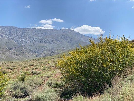 Rayen, Iran: Hezar mountain