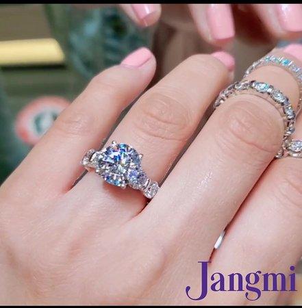 3.5ct round cut diamond on our love bar setting