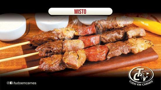 São Paulo, SP: Misto Carne temperada de bovino ( alcatra) , suíno, e linguiça calabresa; Uma combinçao maravilhosa que atente todos os paladares!!! Sucesso de vendas!!!