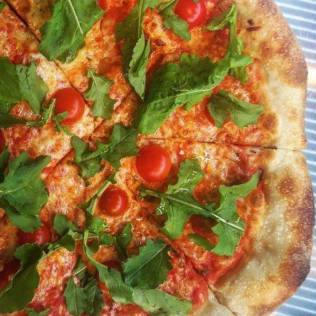 🍕🇮🇹Pizza Italy : salsa de tomate, mozzarella, rúgula, tomate cherry🍅🤤