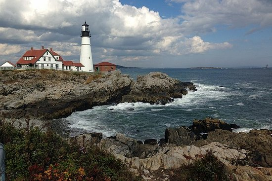 Private Full Day Tour to Coastal Maine from Boston with Hotel pick-up