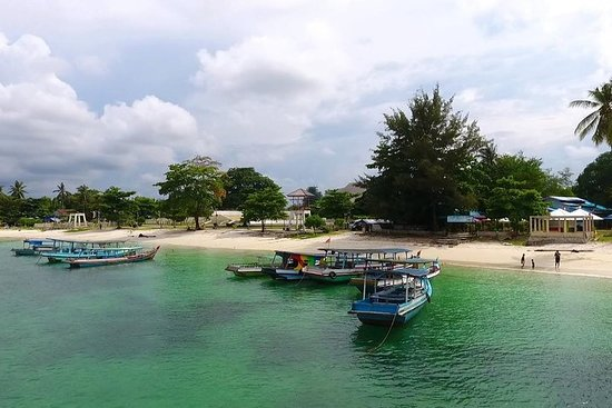 Belitung Island Adventure in the Seaside (Tanjung Tinggi e Kelayang
