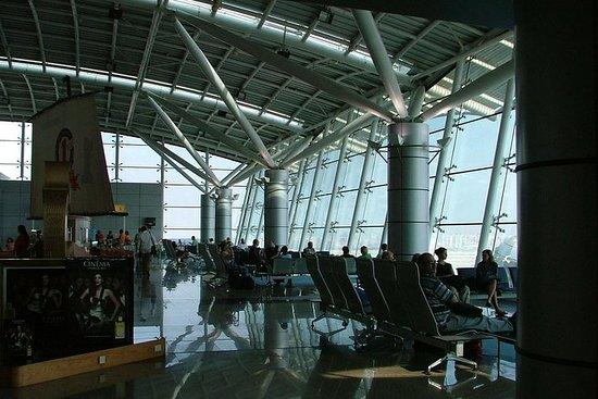 Easy Transfer: Cairo Airport Departure Comfort Transfer Φωτογραφία