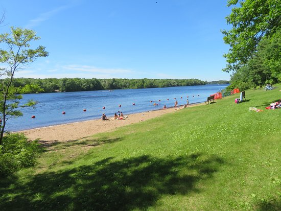 Beach on Alexander Lake