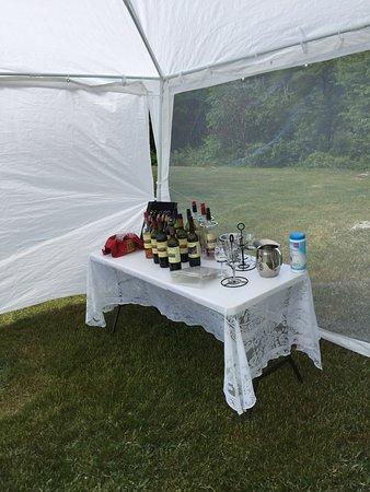 Cherryfield, ME: Outdoor wine tasting!