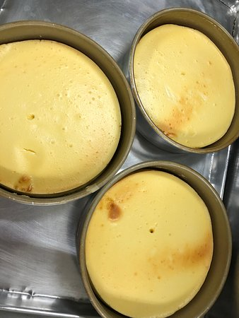 Cheesecake... fresh from the oven