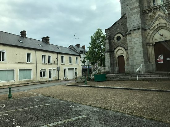 Saint-Pierre-des-Nids Φωτογραφία