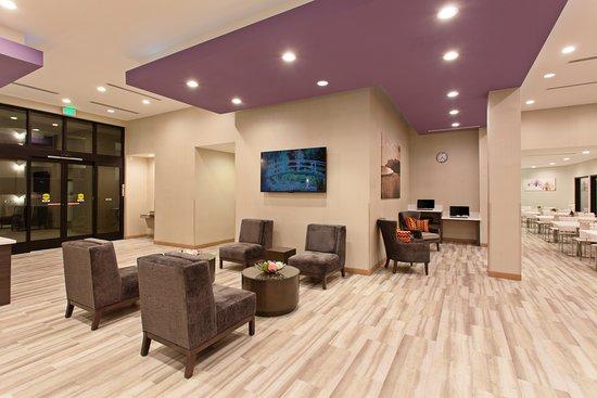 La Quinta Inn & Suites by Wyndham Pomona