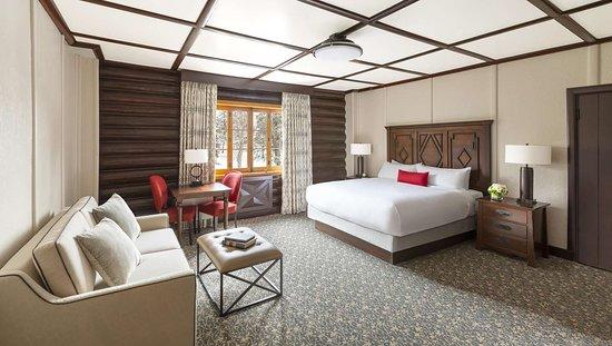 Deluxe Luxury king bed 2