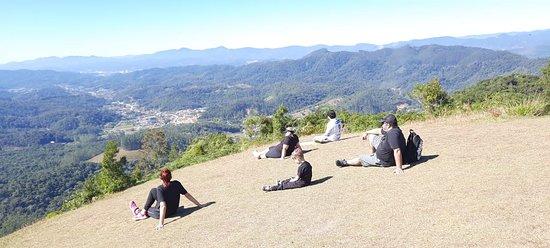 Guabiruba, SC: Essa é a vista do Morro do Parapente  também  acessado pela trilha das 40 curvas ou pela estrada para carros.