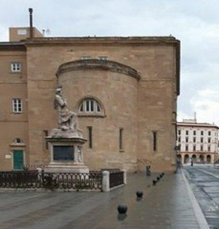 Monumento a F.D. Guerrazzi