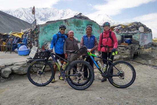 Circuit cycliste de 14 jours dans l'Himalaya indien au départ de...