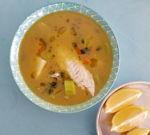 Η ψαρόσουπα είναι φαγητό που φτιάχνεται με συνδυασμό ψαριού ή θαλασσινών και ζωμού, χυμού, νερού ή άλλου υγρού μέσου. Οι ζεστές σούπες παρασκευάζονται με βράσιμο των στερεών συστατικών στα υγρά σε μία κατσαρόλα μέχρι να πάρουν γεύση, και να σχηματιστεί ένας ζωμός.