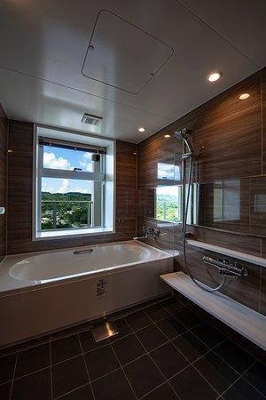 全てのお部屋にバスルームとシャワー室が個別にございます。