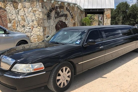Texas Hill Country Wine Tour by Limousine