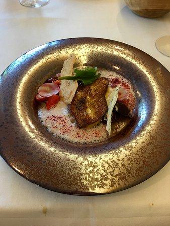 entrée:Foie gras de canard/cerises / betteraves