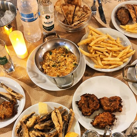#greek #greekstyle #meze #fresh #fries #zucchini #zucchiniballs #feta #fetacheese in the oven #friedfish #freshfish #garlic #mushrooms #ouzo #ouzomini #cheers #yamas  #bridges #gefyria #faliraki
