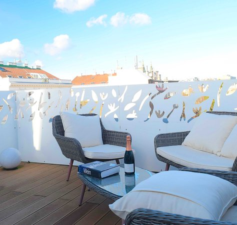 Sommer terrace with Vienna view