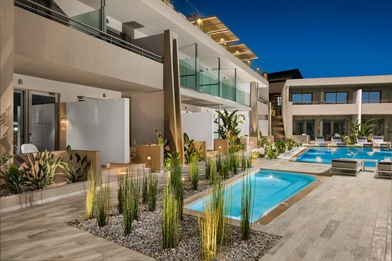 Jacuzzi and Pool