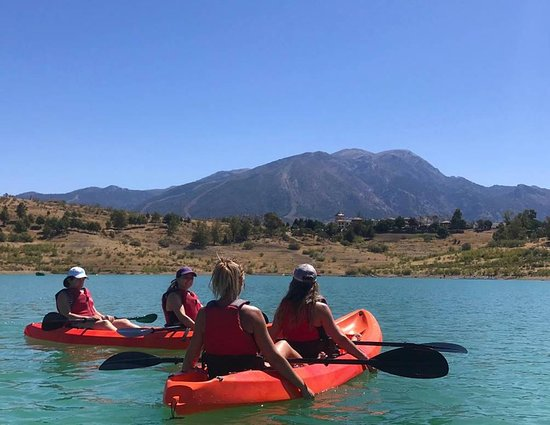 Vinuela, Španielsko: Kayak rental at Viñuela Lake - Alquiler de kayaks en el Embalse de La Viñuela
