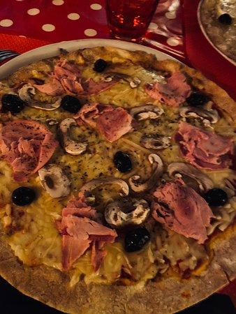 Excellente pizza bien garnie