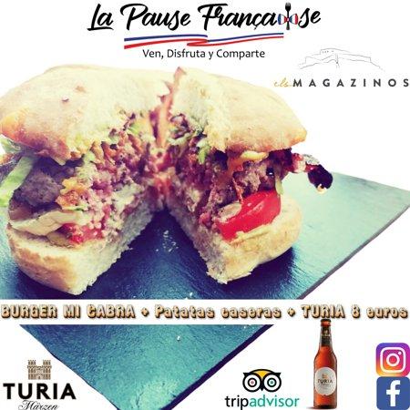 """Ven a disfrutar de nuestro increíble burger """"mi cabra"""" con patatas caseras con una cerbeza turia ! Solo por 8 euros 👌 Te esperamos"""