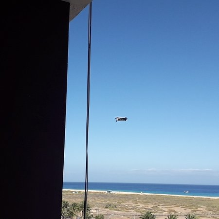 Morro del Jable, España: Now that's just great, away for a quiet couple of days  & some Num-Nuts next door is flying a drone, Oh Joy