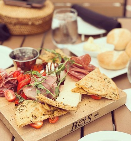 Who doesnt like charcuterie boards?