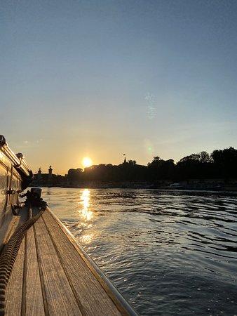 Coucher de soleil à bord de Seine Privée