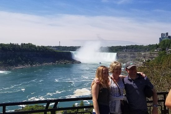 Private Tour: Niagara Falls from...
