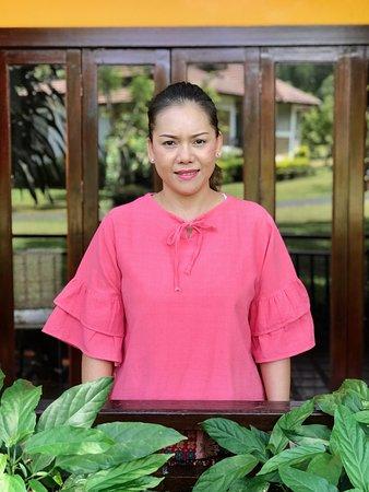 Wongdauen;James's wife,Restaurant