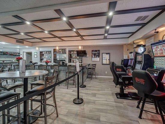Eastland Suites Hotel & Conference Center - Champaign-Urbana