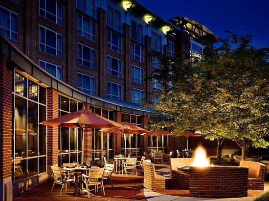 The Chattanoogan Hotel, Curio Collection by Hilton