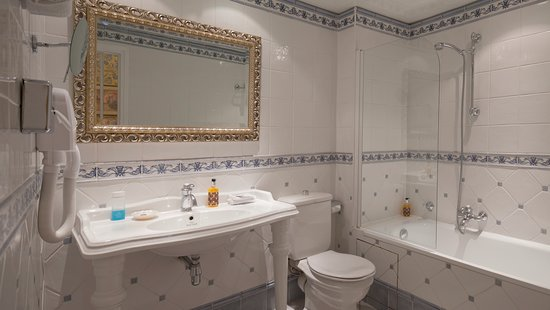 Superior double room  - Hotel Beaubourg, Paris Resmi - Tripadvisor