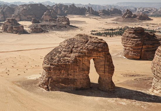 Al Ula, Arab Saudi: This spectacular rock formation resembles an elephant with its trunk touching the ground, is one of AlUla's geomorphological wonders became one of AlUla iconic landmarks.
