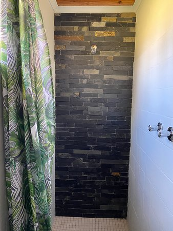 Cess en suite room shower