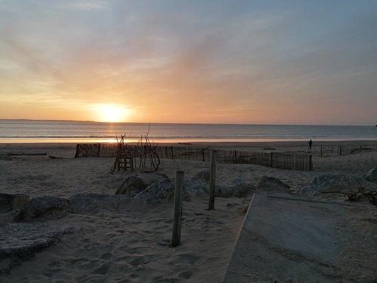 Gémozac, France: la plage de st Georges de Didone à 25 minutes